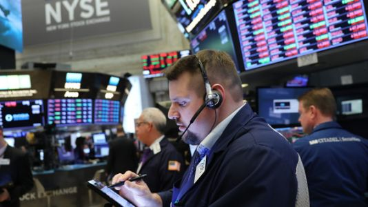 Stocks Indexes Drop As Bond Market Flashes Recession Warning