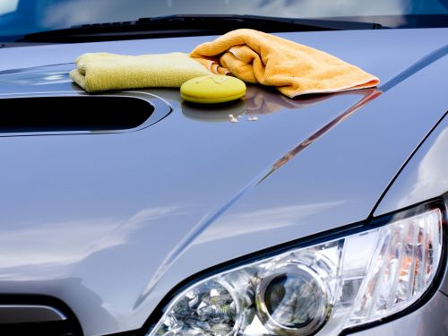 How to wax your car properly and the tools you need to do it