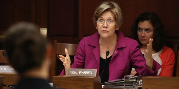 Elizabeth Warren becomes the first senator - and first 2020 candidate - to call for impeaching Trump over the Mueller report