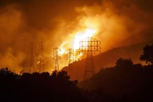 PG&E gets court OK for $235 million in bonuses amid wildfire woes, bankruptcy
