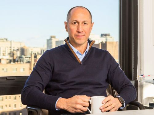A former Goldman exec who thinks just about every meeting can be wrapped up in 15 minutes explains why he purposely puts longer meetings in his schedule