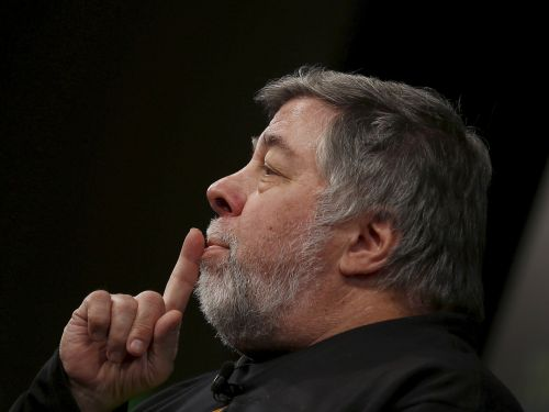 Apple cofounder Steve Wozniak says Apple Card offered his wife a lower credit limit