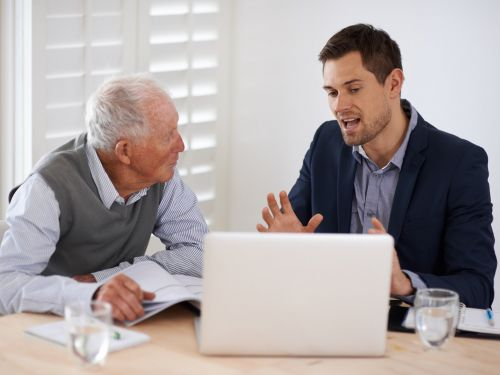 A man who left work 10 years ago says a single meeting with a financial planner made retirement 'so much better'