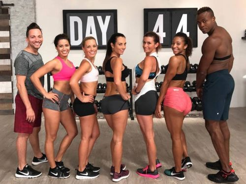 A new fitness craze called the '80 Day Obsession' is taking over Facebook - here's how it works