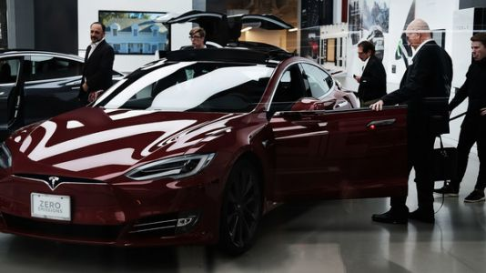 Elon Musk Says Saudi Investment Fund Could Help Him Take Tesla Private