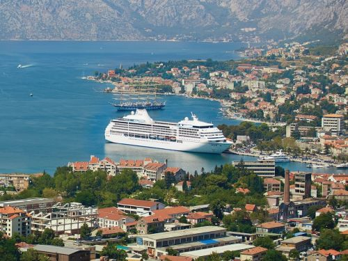 A 132-night cruise around the world sold out in under 3 hours - see what it will be like aboard the ship