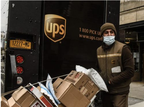 Experts identify 4 logistics winners after $1 trillion of online spending during the pandemic - and 3 losers that missed out