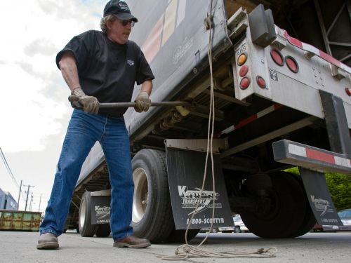An American trucking giant is slated to declare bankruptcy - and it may leave more than 3,200 truck drivers stranded and jobless
