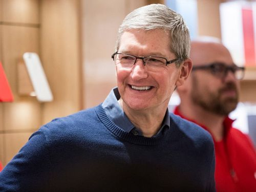 A look inside the daily routine of Apple CEO Tim Cook, who oversaw the release of the $999 iPhone X