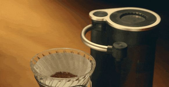 The Geesaa automates pourover coffee