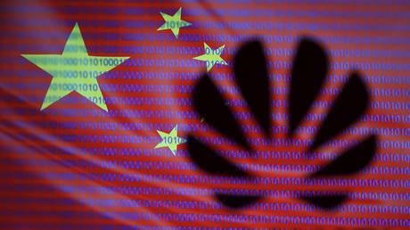 Patriot games: Chinese dump iPhones & switch to domestic Huawei devices amid US crackdown