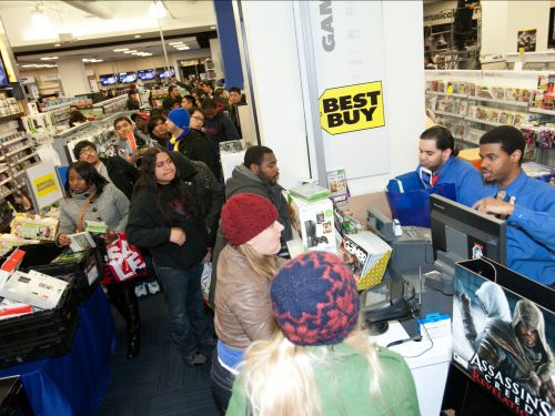 'It's a blur': A former Best Buy employee reveals what it's really like to work retail on Black Friday