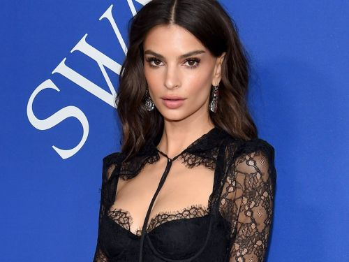 Emily Ratajkowski challenged Instagram's controversial nipple rules with a photo of her wardrobe malfunction